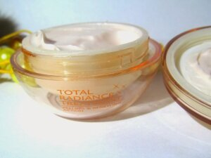 Крема для увеличения груди
